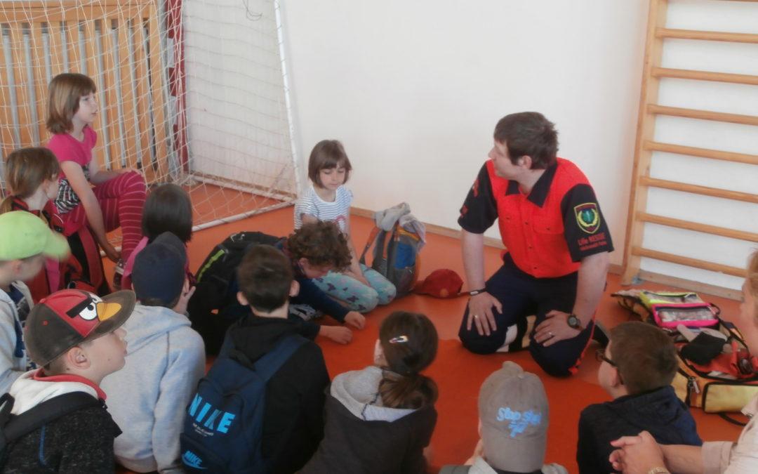 Life RESCUE učí první pomoc na Praze 6
