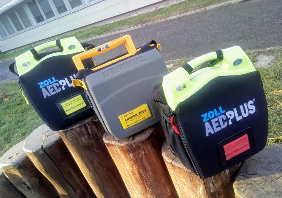 Nový AED pro lektory