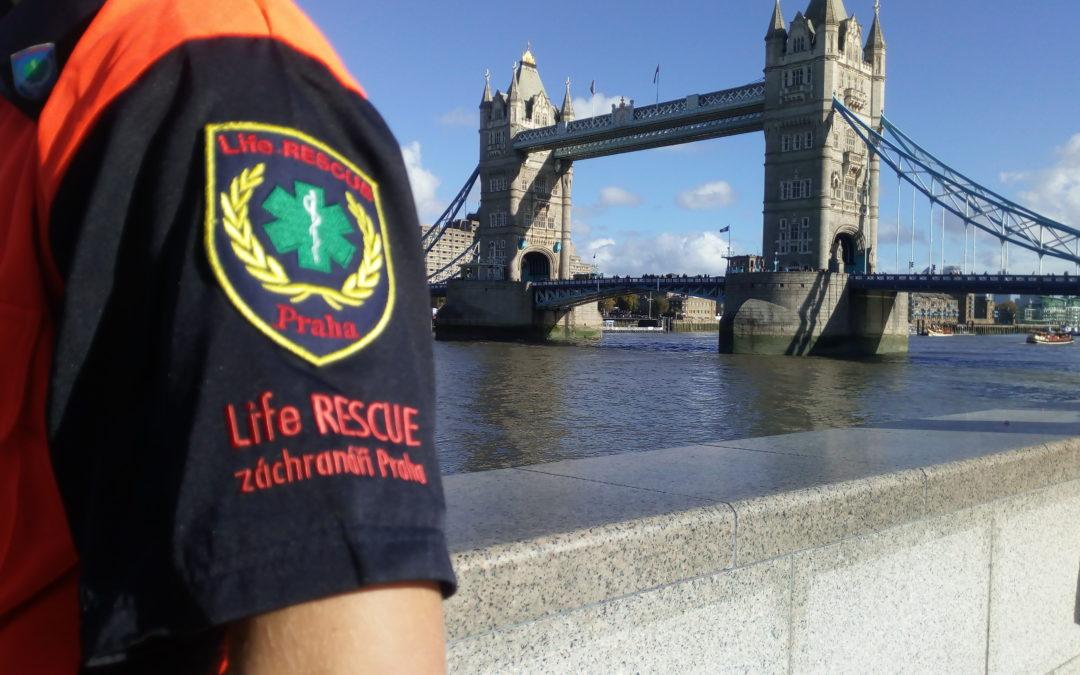 Londýn přivítal záchranáře zPrahy